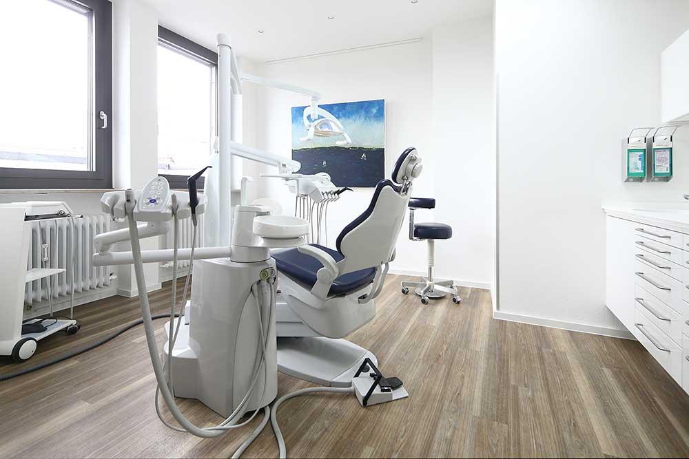 Zahnärzte Reutlingen - Gössel - ein Behandlungszimmer der Praxis