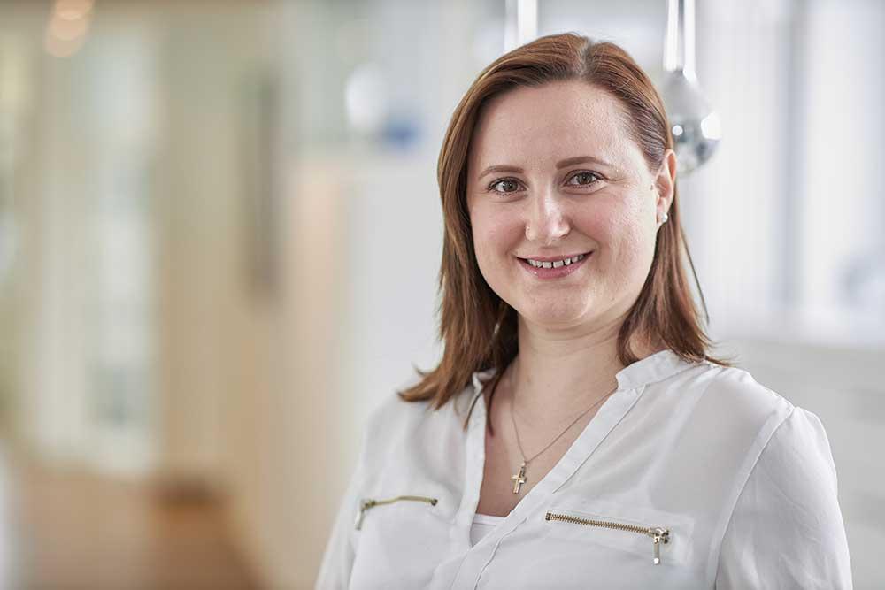 Zahnärzte Reutlingen - Gössel - Team - Portrait von Mitarbeiterin Alexandra Rein