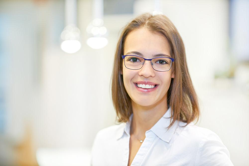 Zahnärzte Reutlingen - Gössel - Team - Portrait von Mitarbeiterin Lea Frick