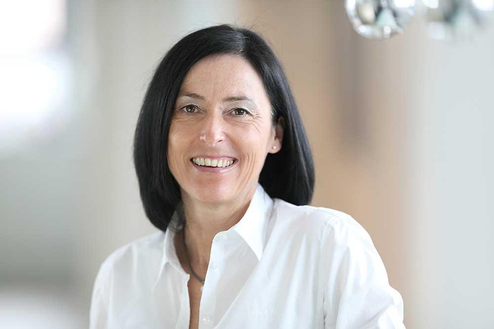 Zahnärzte Reutlingen - Gössel - Team - Portrait von Mitarbeiterin Heike Gundel
